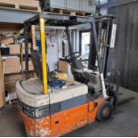 Nissan N01438-U electric 3 wheel forklift truck, C