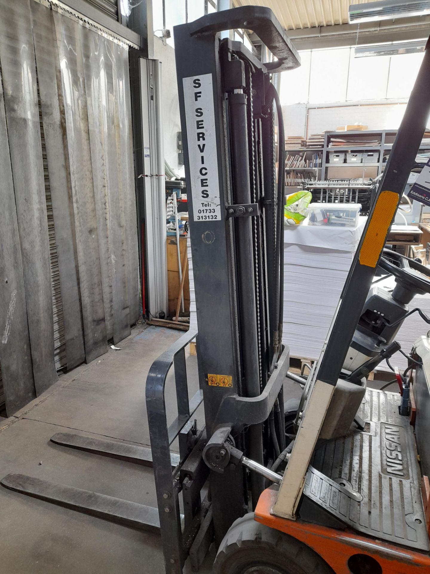 Nissan N01438-U electric 3 wheel forklift truck, C - Image 3 of 5