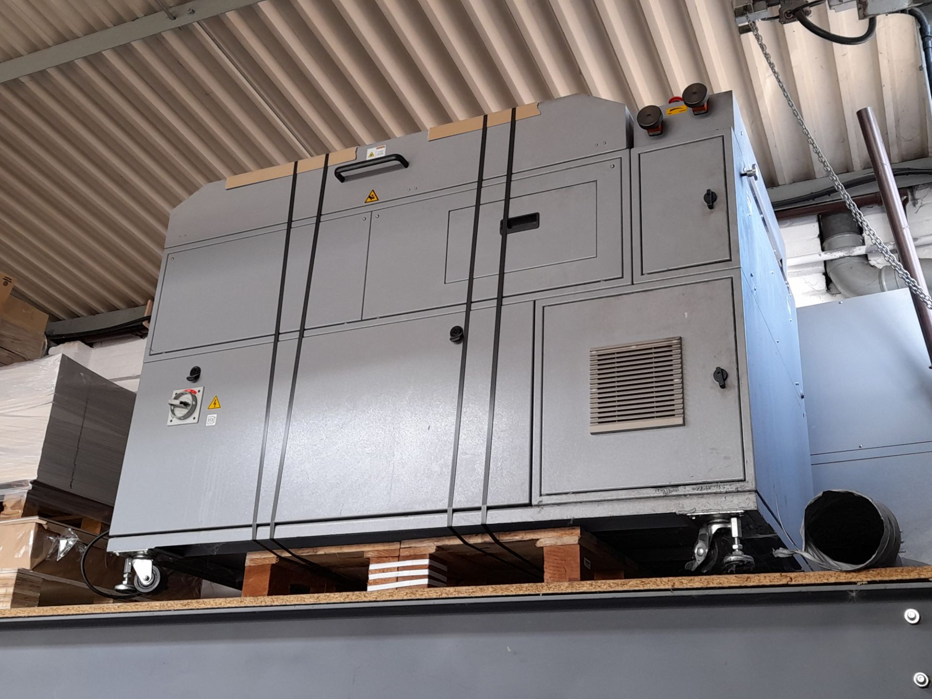 Duplo UV coater (located on mezzanine floor) - Image 2 of 2