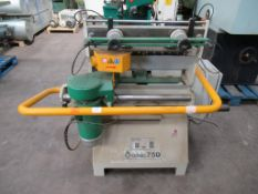 Omec 750 Dovetailer. S/N 010390, YOM:2001. 380V, 3PH, 50 Hz, Weight: 350KG. Please note there is