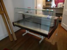 Display Serve Over Counter 1,400mm