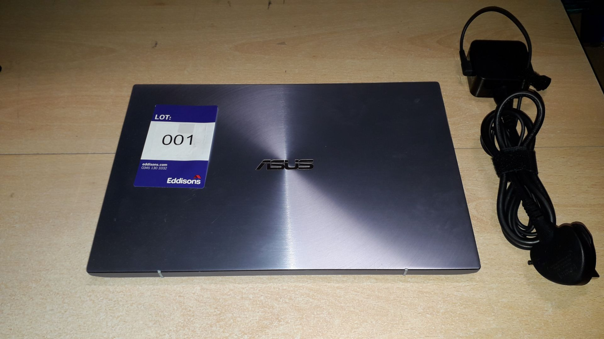 """Asus ZenBook UM431D 14"""" Ryzen 7 Laptop (2020) Seri - Image 2 of 5"""