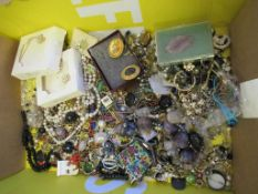 Natural Stone and othe Jewellery to include a large Flourite Necklace large quantity of various Earr