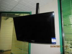 Samsung LE32A457C1D LCD TV with Remote Control.