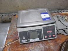 Avery Berkel HL220 Digital Scale, 6kg