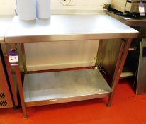 Stainless Steel Bench with Under Shelf Aprx (1000x620)