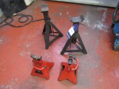 4 Various Axel Stands