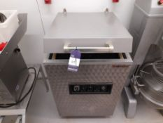 Turbovac Vaccum Packer, Single Chamber, Model: SB500 (please note this lot also forms part of