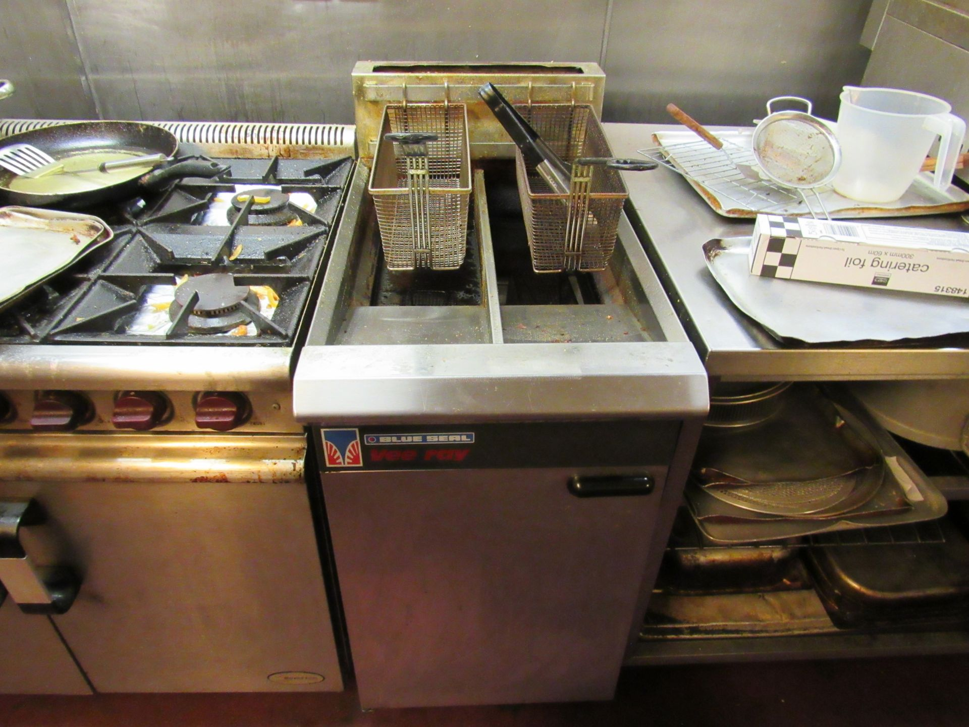 Blue Seal Vee Ray Twin Basket Deep Fat Fryer - Image 2 of 2