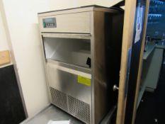 Polar Refrigeration Ice Machine with Stainless Ste