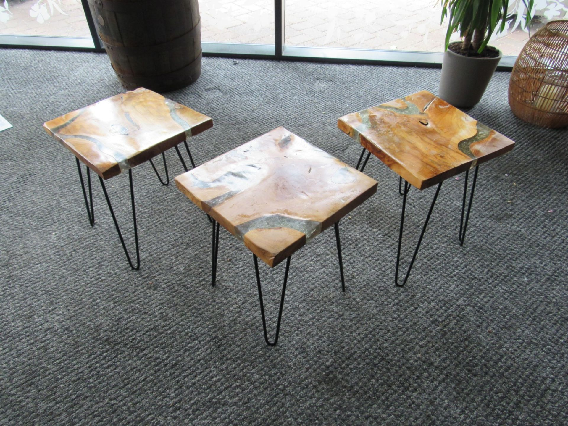 3 Artistic Coffee Tables with Smashed Glass Vein - Image 2 of 4