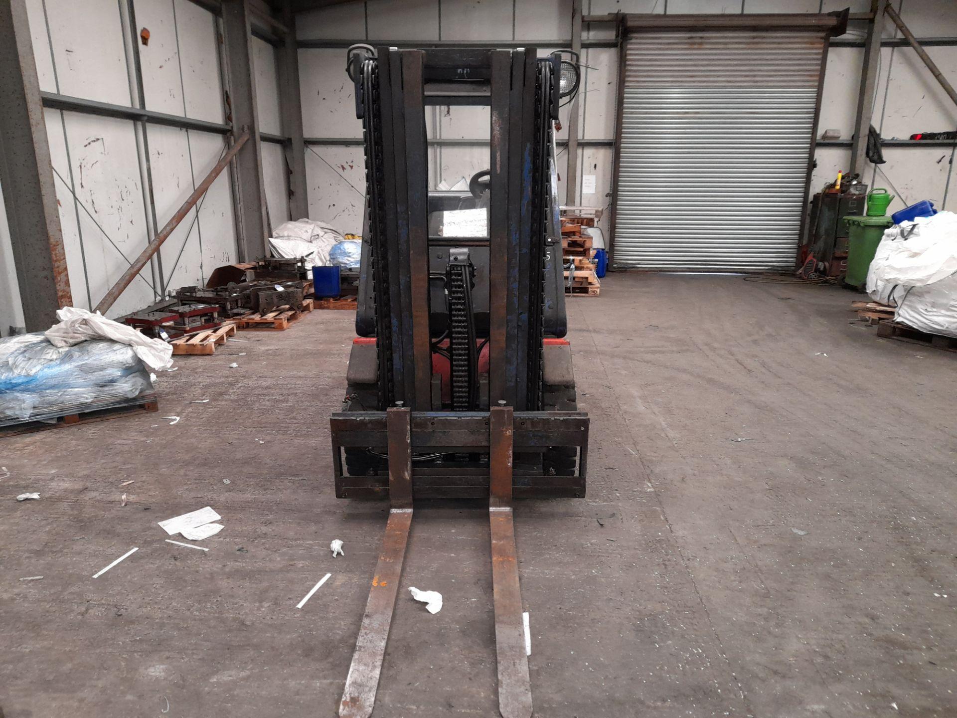Linde H25T-02 LPG Forklift Truck, 2500kg Capacity, Triple Mast, Side Shift, Lift Height 3925mm, - Image 7 of 9
