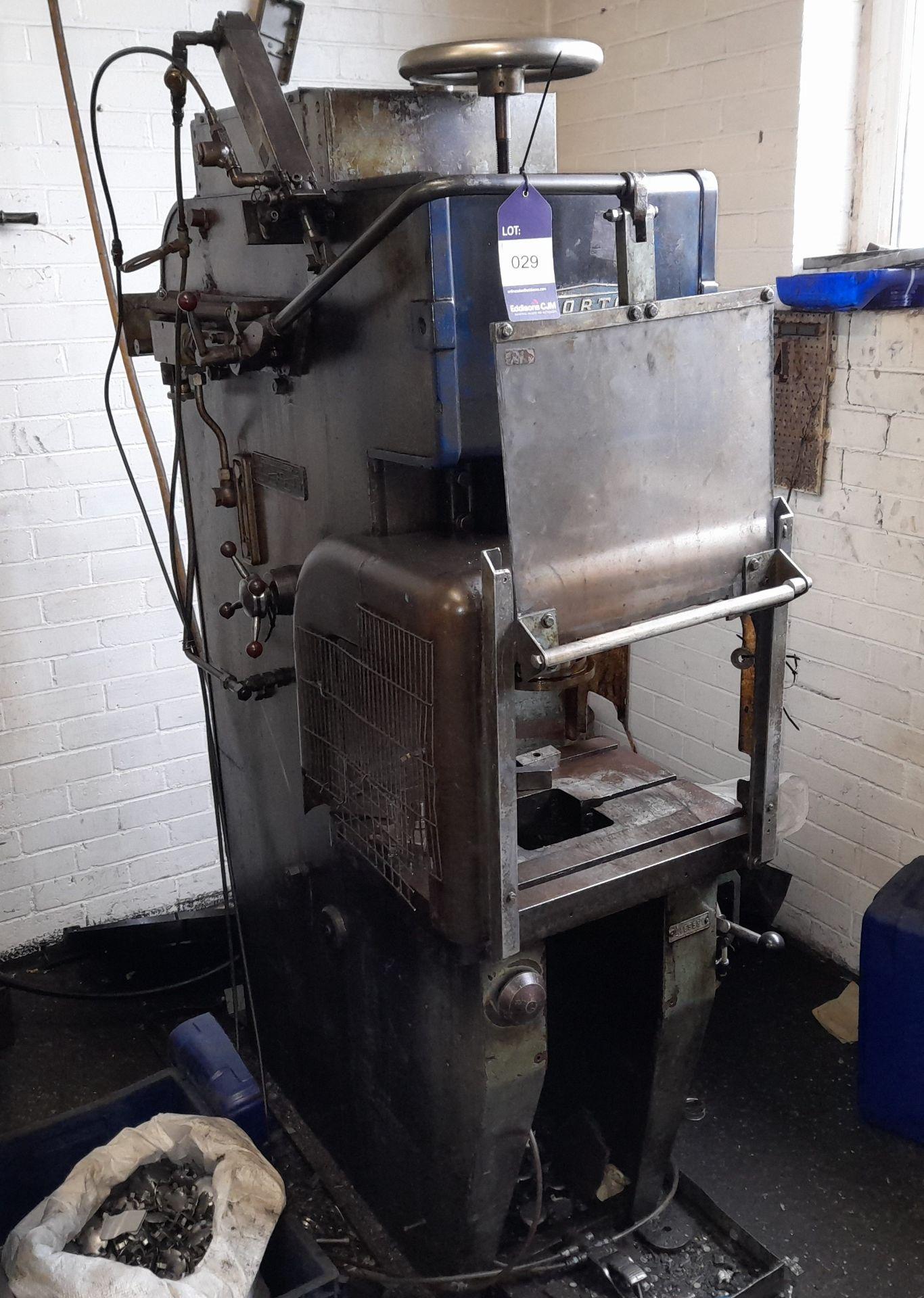 Norton Hydraulic Down Stroking Press, S/n B169581