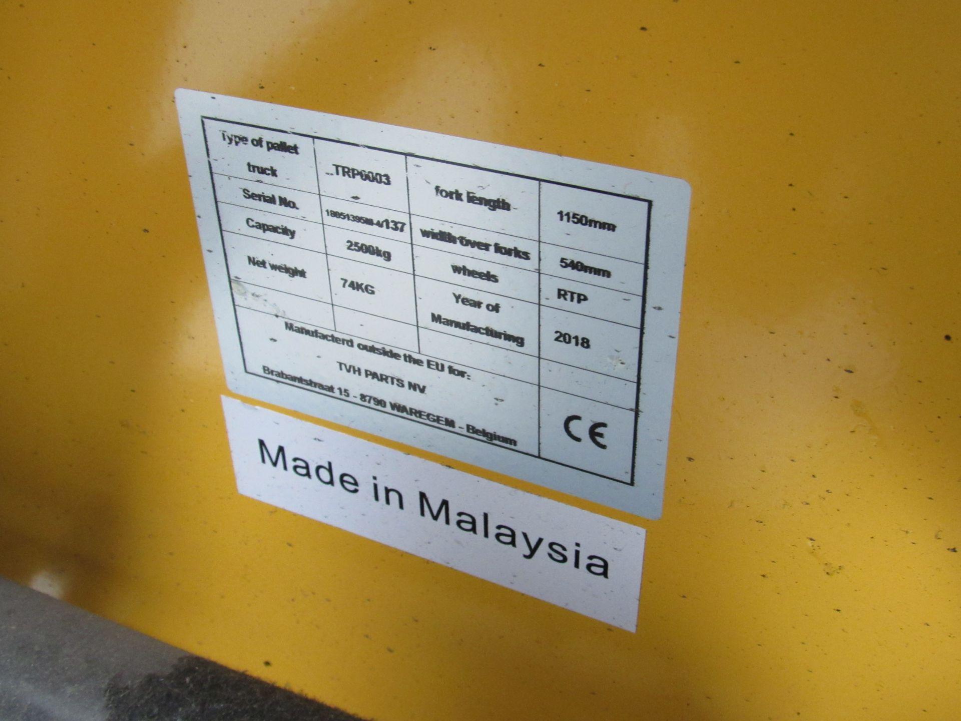 Total Source, 2500kg Pallet Truck - Image 3 of 4