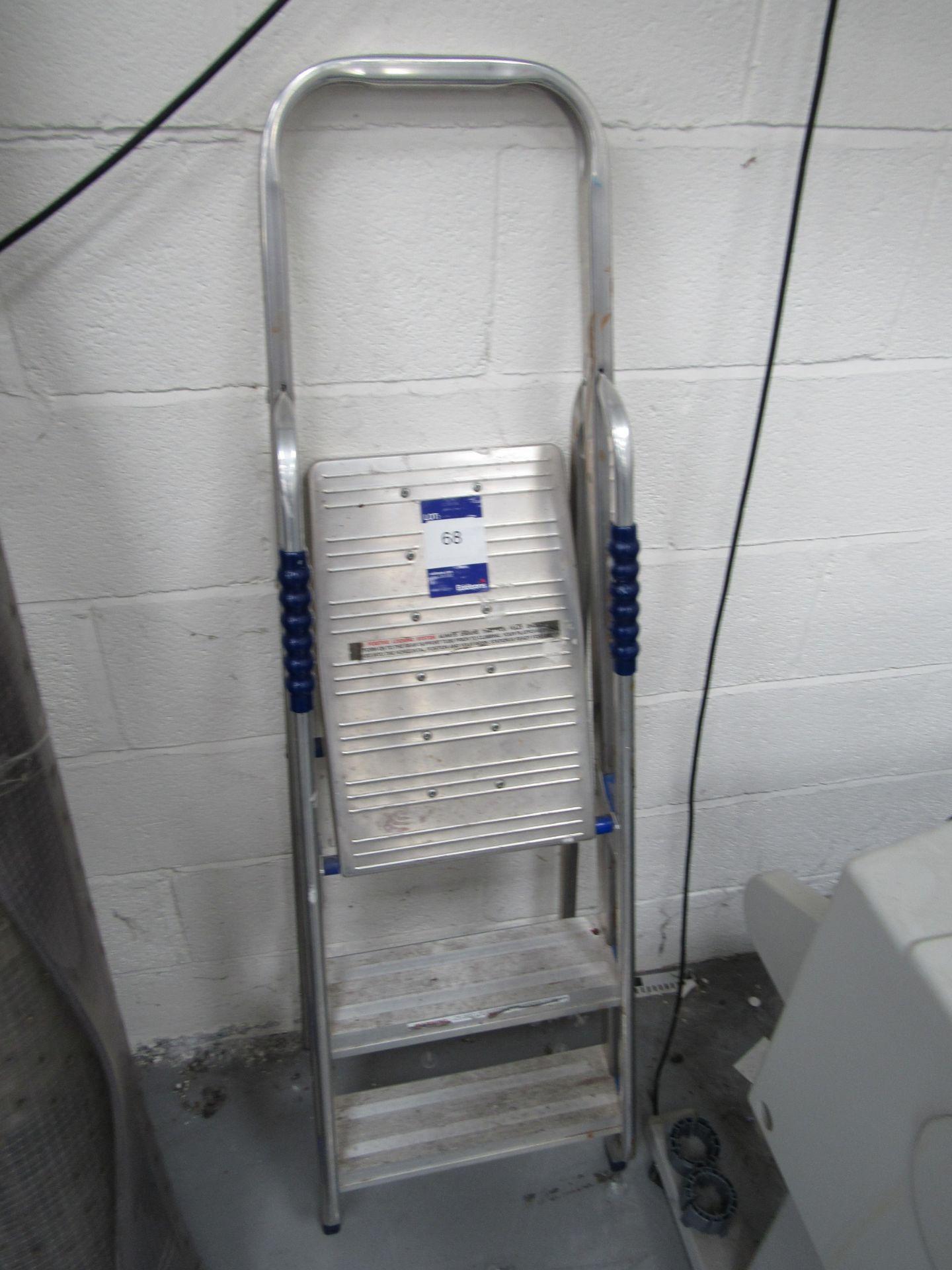 ABRU 2 Tread Step Ladder - Image 2 of 2