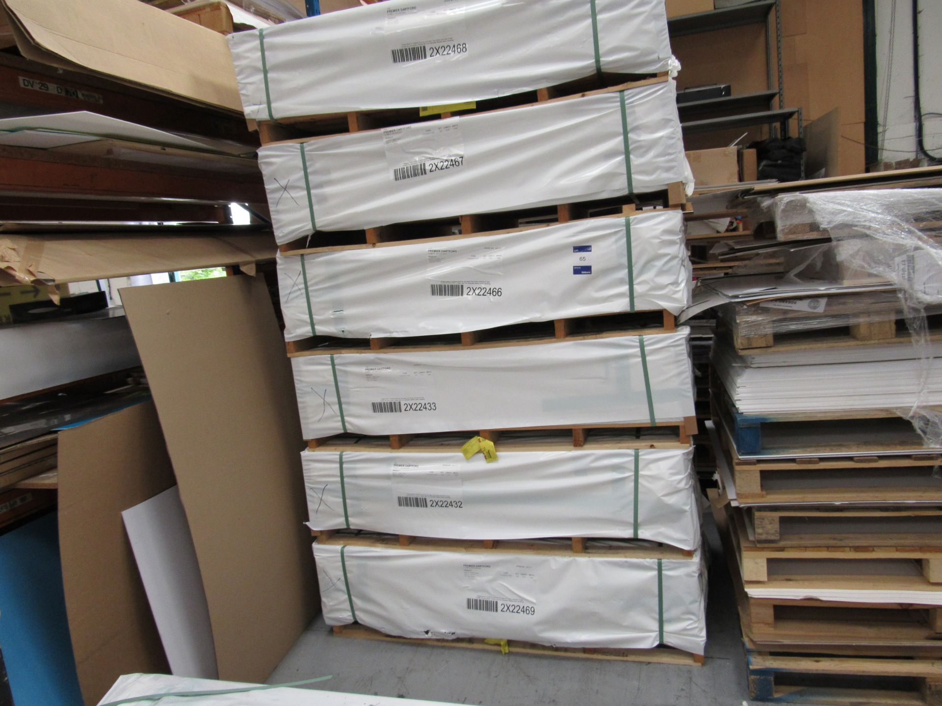6 Packs and Part Pack White Foam Light 3mm x 1520mm Boards - Image 3 of 5