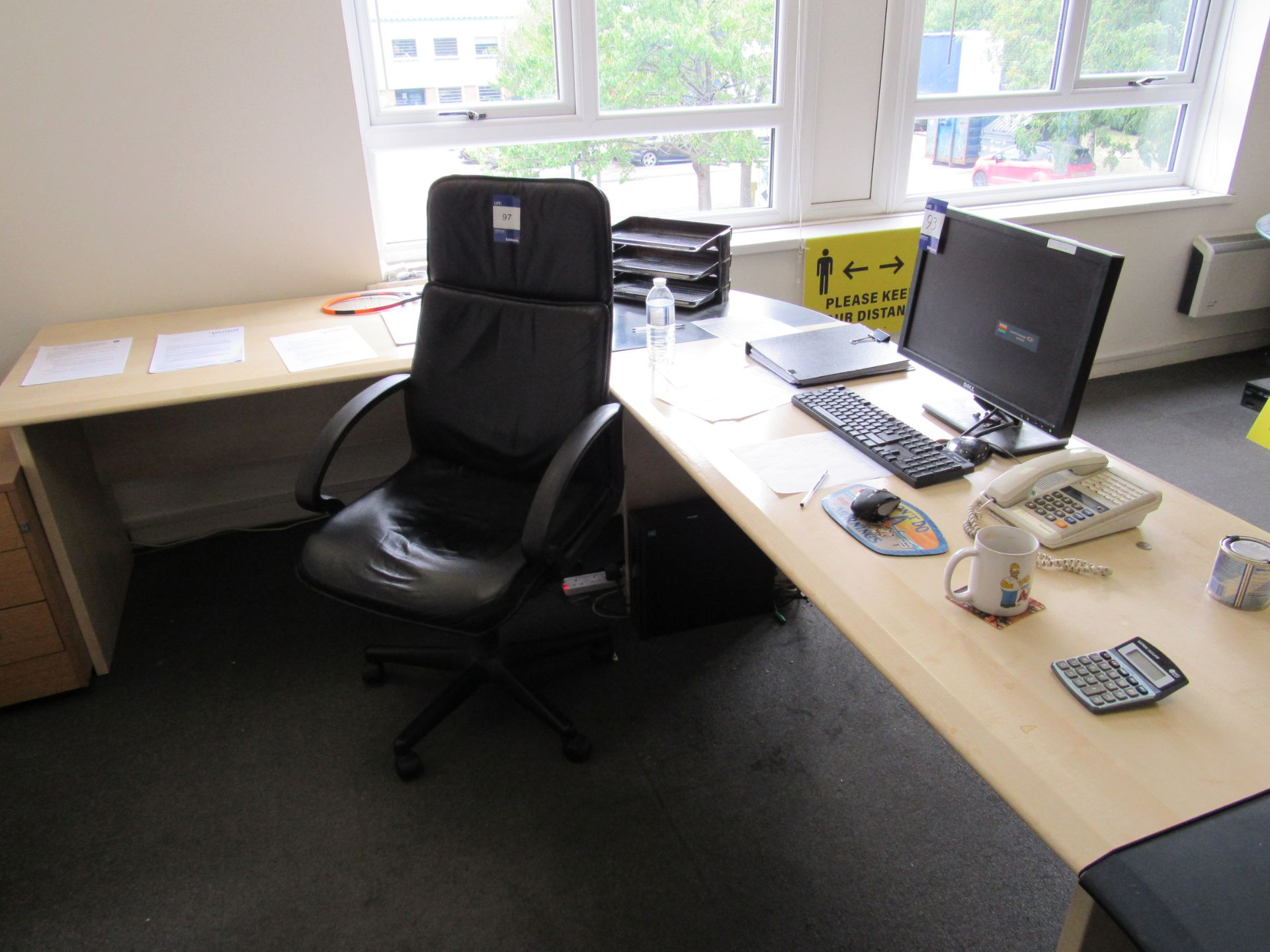 Single person multi-sectional workstation with leather effect operators chair, and 3 drawer - Image 3 of 3