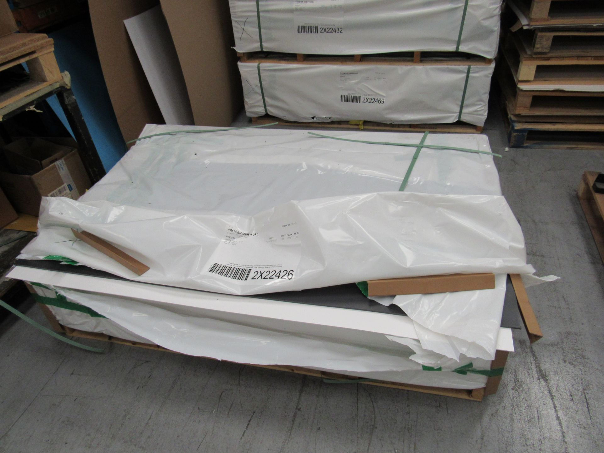 6 Packs and Part Pack White Foam Light 3mm x 1520mm Boards - Image 2 of 5