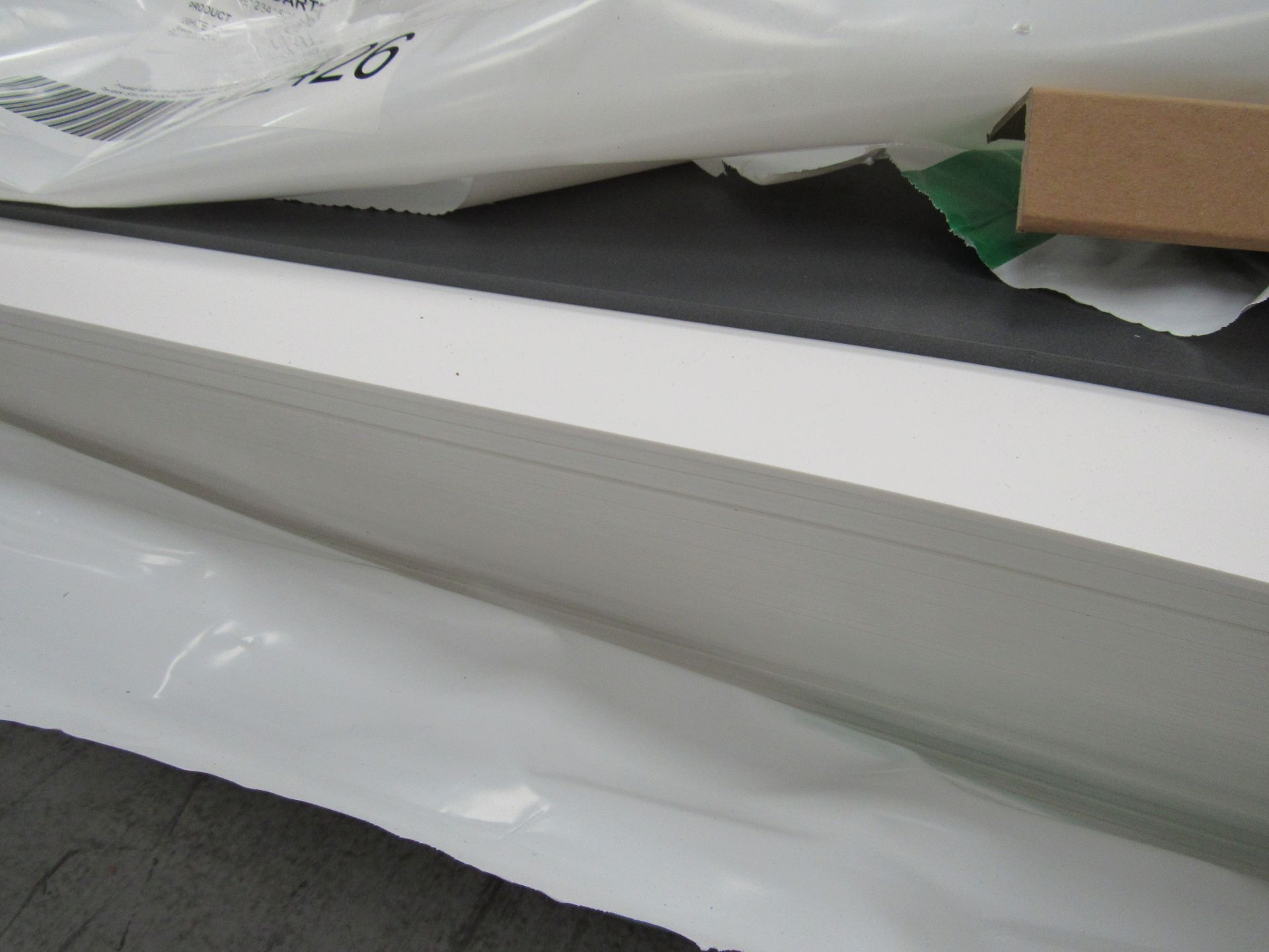 6 Packs and Part Pack White Foam Light 3mm x 1520mm Boards - Image 4 of 5