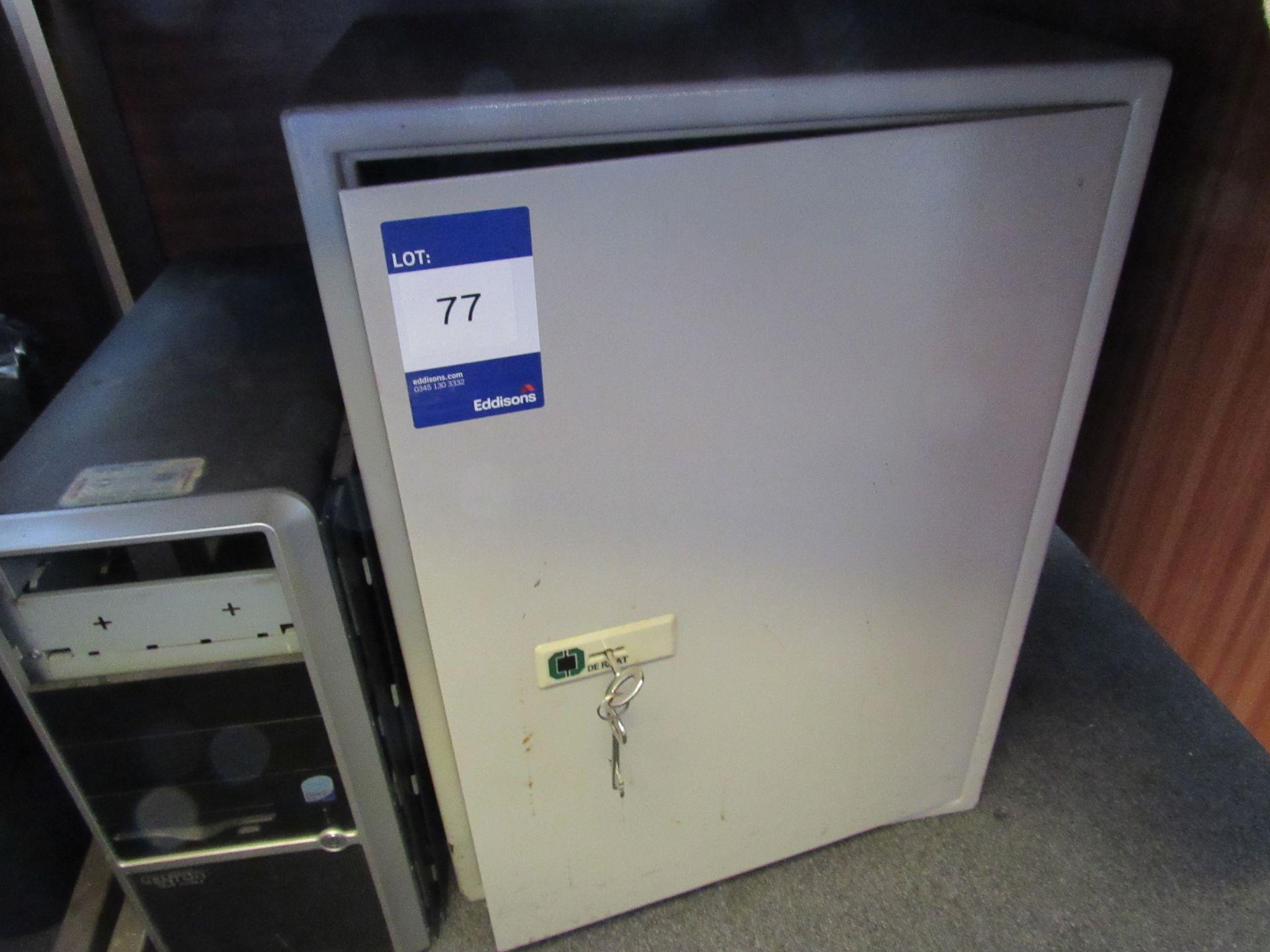 Derrat safe, with 2 x keys