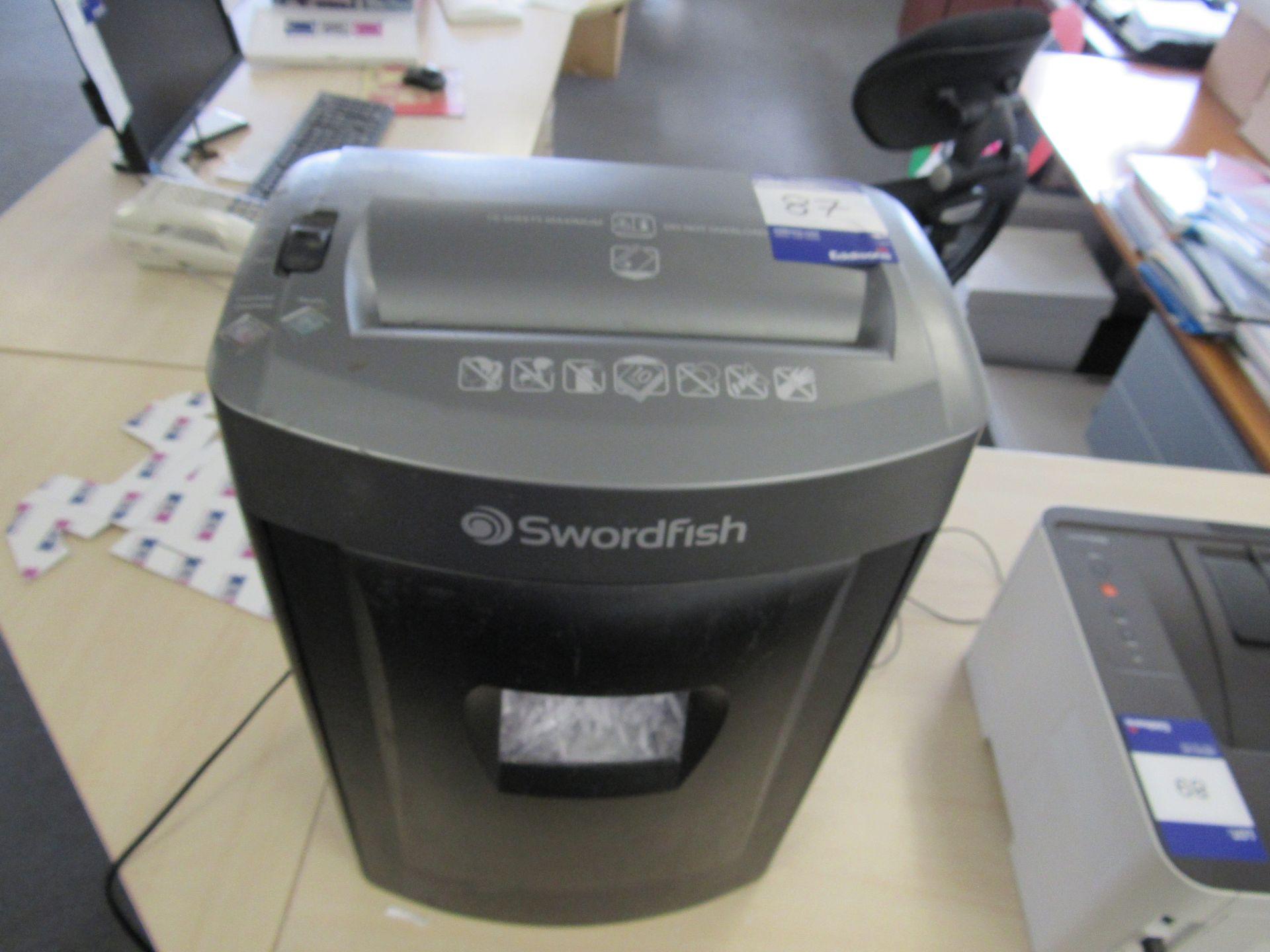Dymo LabelWriter 320, Swordfish Cross Cut 100 XC shredder, and HP LaserJet 1320 Printer - Image 2 of 3