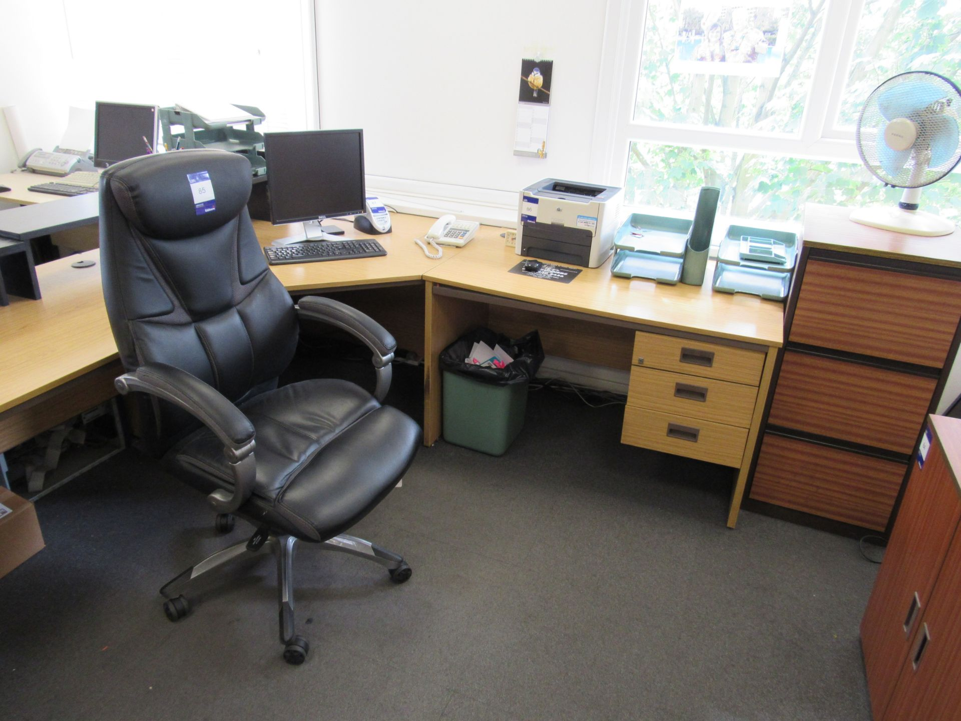 Single person 3-section workstation, with leather effect operators chair, and 3 drawer filing - Image 2 of 2