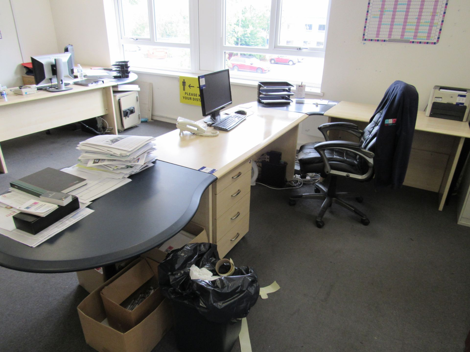 Single person multi-sectional workstation with leather effect operators chair, 4 drawer mobile - Image 2 of 4