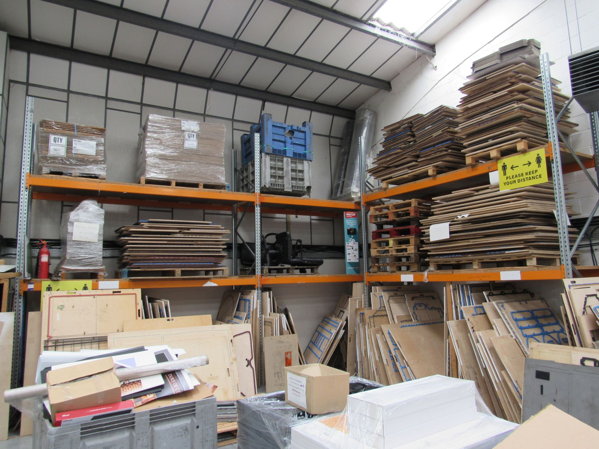 3 Bays Warehouse Racking, 5 End Frames, 12 Cross Beams (assembled) plus 1 End Frame and Approx. 16