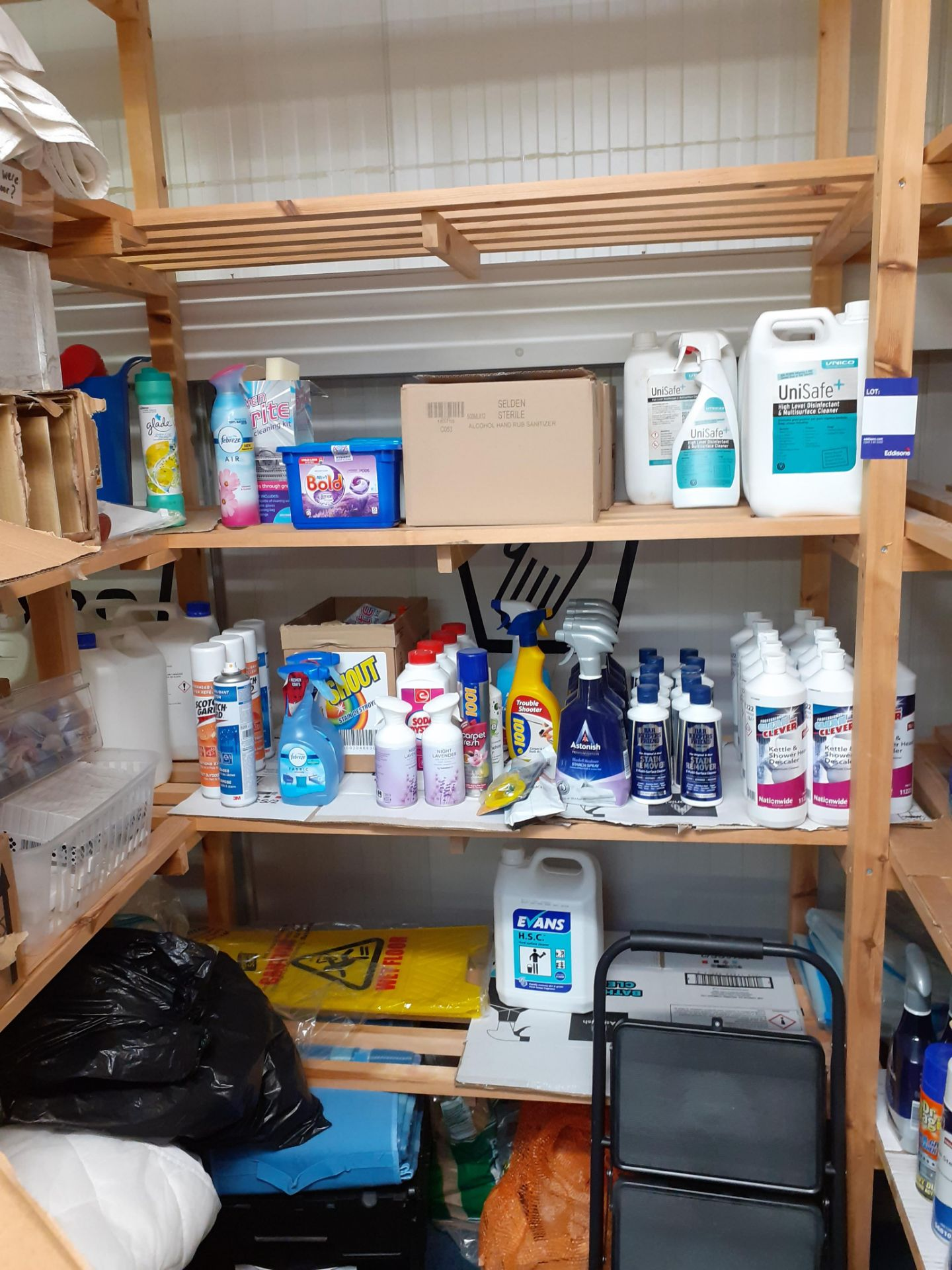Large Quantity of Cleaning Consumables to timber s - Image 4 of 5