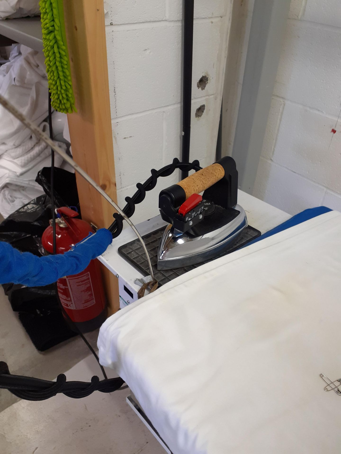 Eco Steam Generator, Iron and Ironing Board - Image 2 of 3
