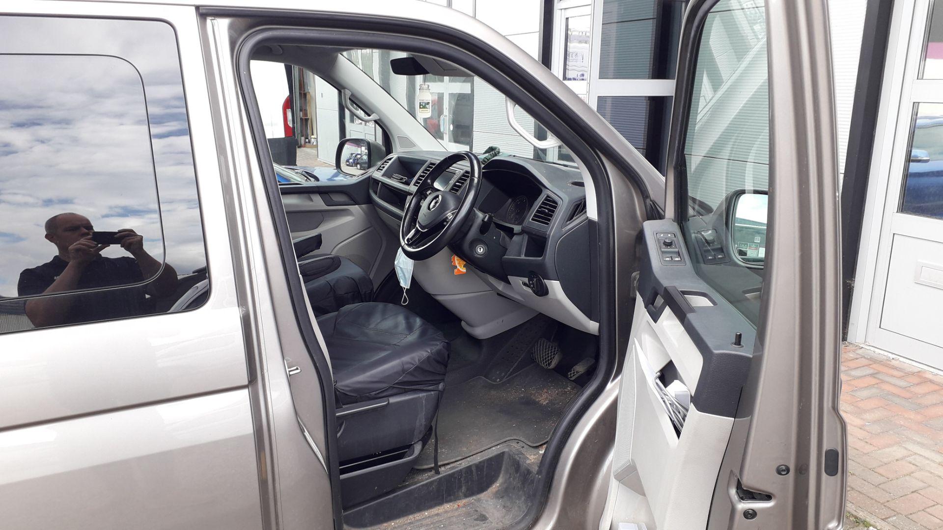 Volkswagen Transporter T30 2.0 Tdi BMT 150 Highlin - Image 12 of 18