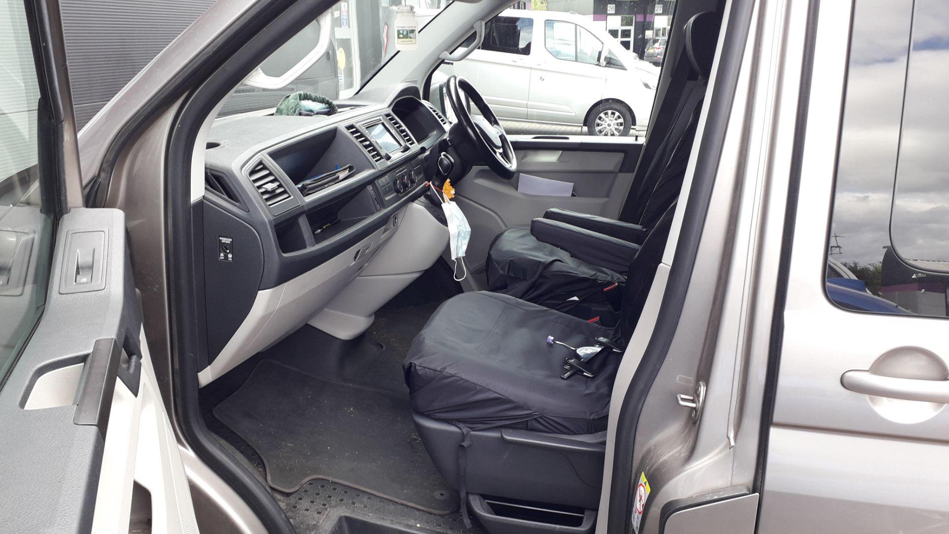 Volkswagen Transporter T30 2.0 Tdi BMT 150 Highlin - Image 11 of 18