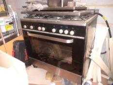 Kenwood Six Burner Range Oven