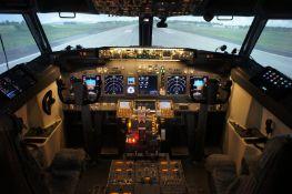 Sim World Flight Deck 737-800 Comprising of: - Fly