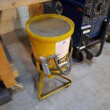 POWER FIST Pneumatic Sandblast Machine