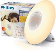 RRP £60 - Philips Wake-Up Light Alarm Clock, Sunrise Simulation, 2 Natural Sounds, FM Radio & Readin
