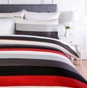 AmazonBasics Microfiber Duvet Cover Set, Light weight – 135 x 200 cm, Single - Red Simple Stripe