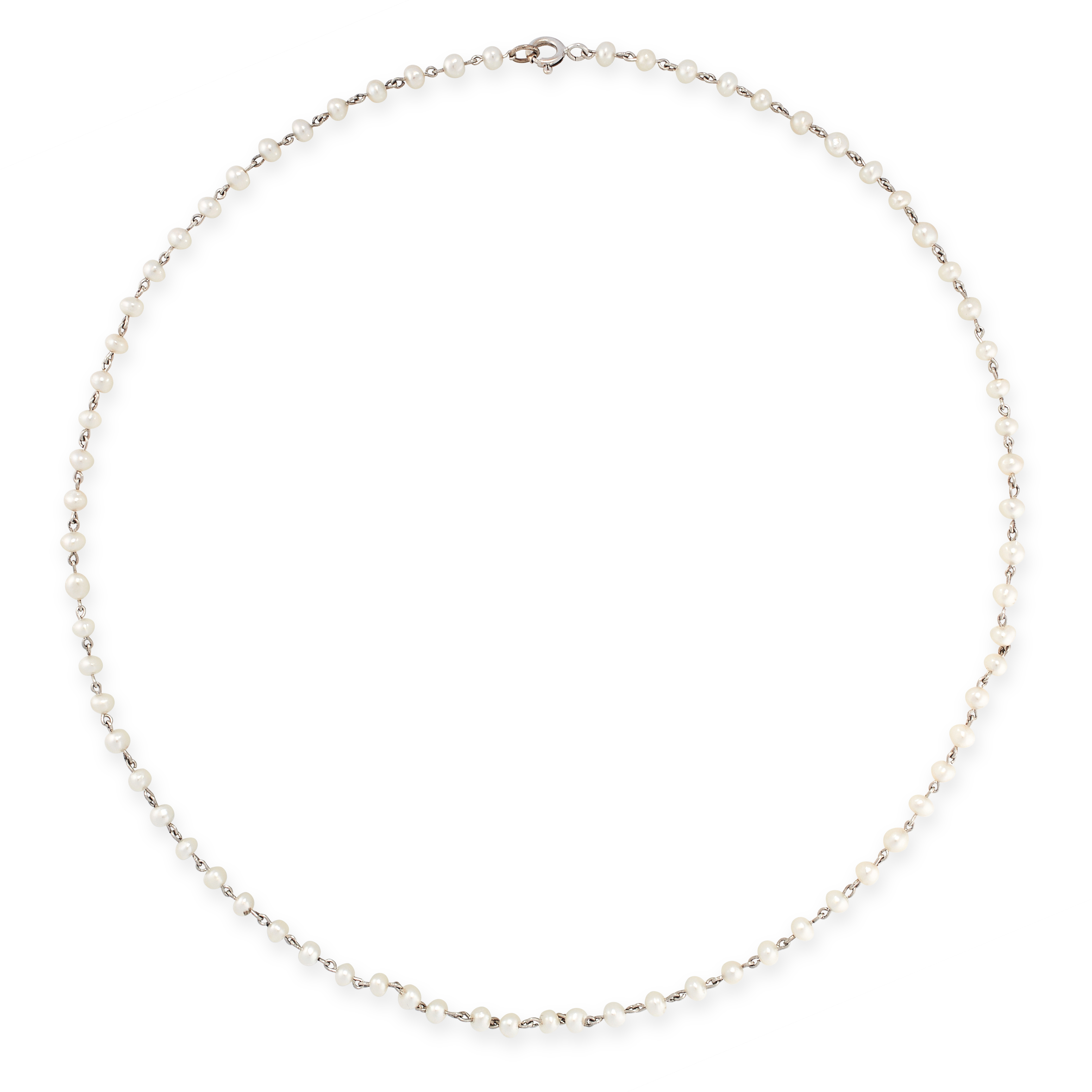 A PEARL CHAIN NECKLACE, EARLY 20TH CENTURY comprising a single row of seventy-two pearls,