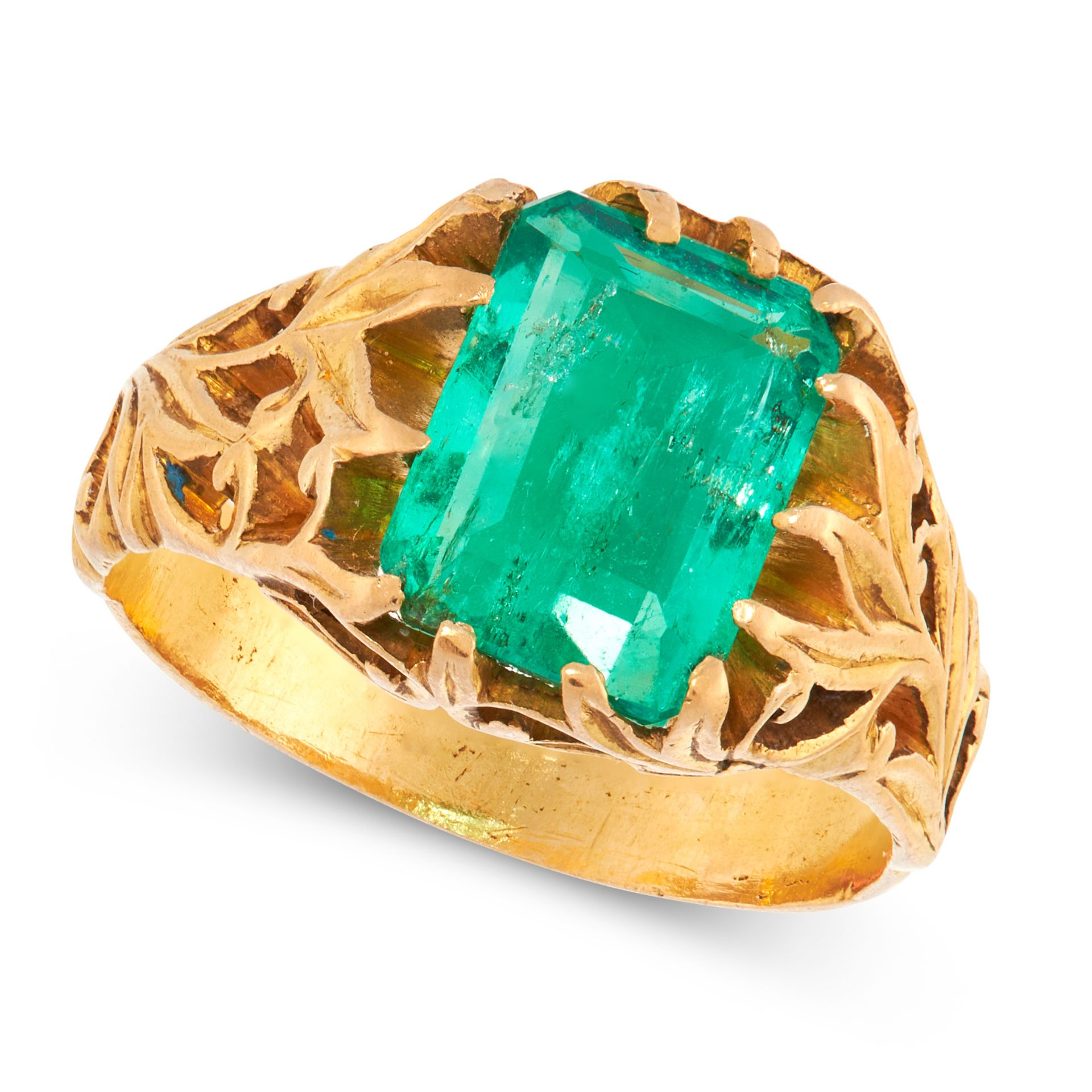A COLOMBIAN EMERALD DRESS RING in high carat yellow gold, set with an emerald cut emerald of 2.85