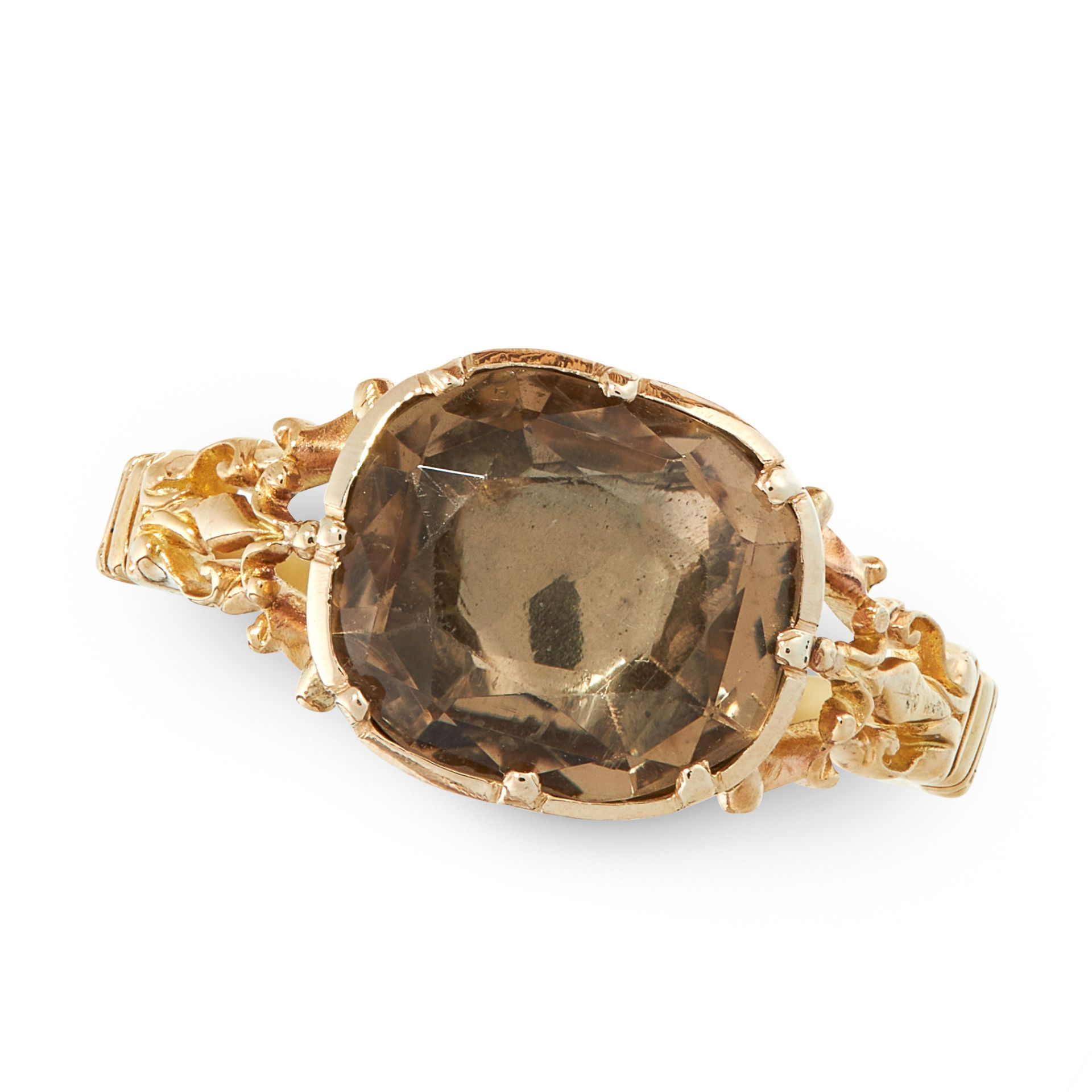 AN ANTIQUE SMOKY QUARTZ / CITRINE DRESS RING, 19TH CENTURY in yellow gold, set with a central