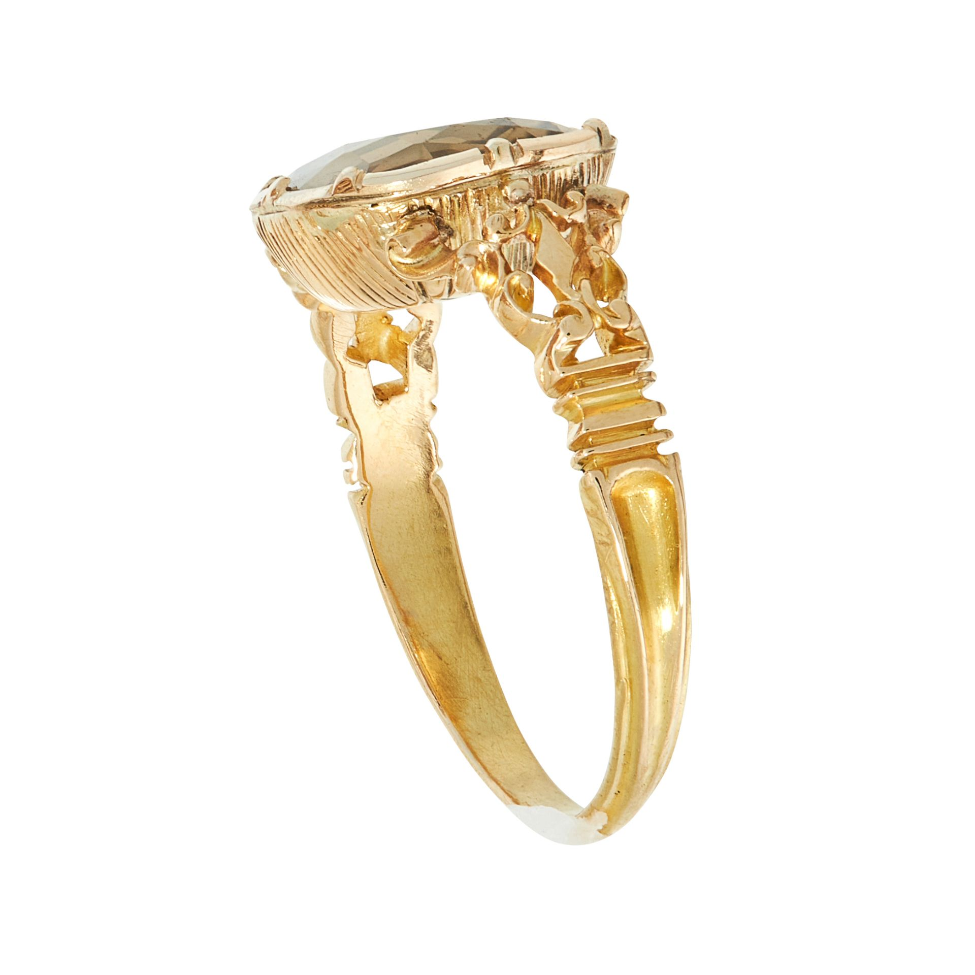 AN ANTIQUE SMOKY QUARTZ / CITRINE DRESS RING, 19TH CENTURY in yellow gold, set with a central - Image 2 of 2