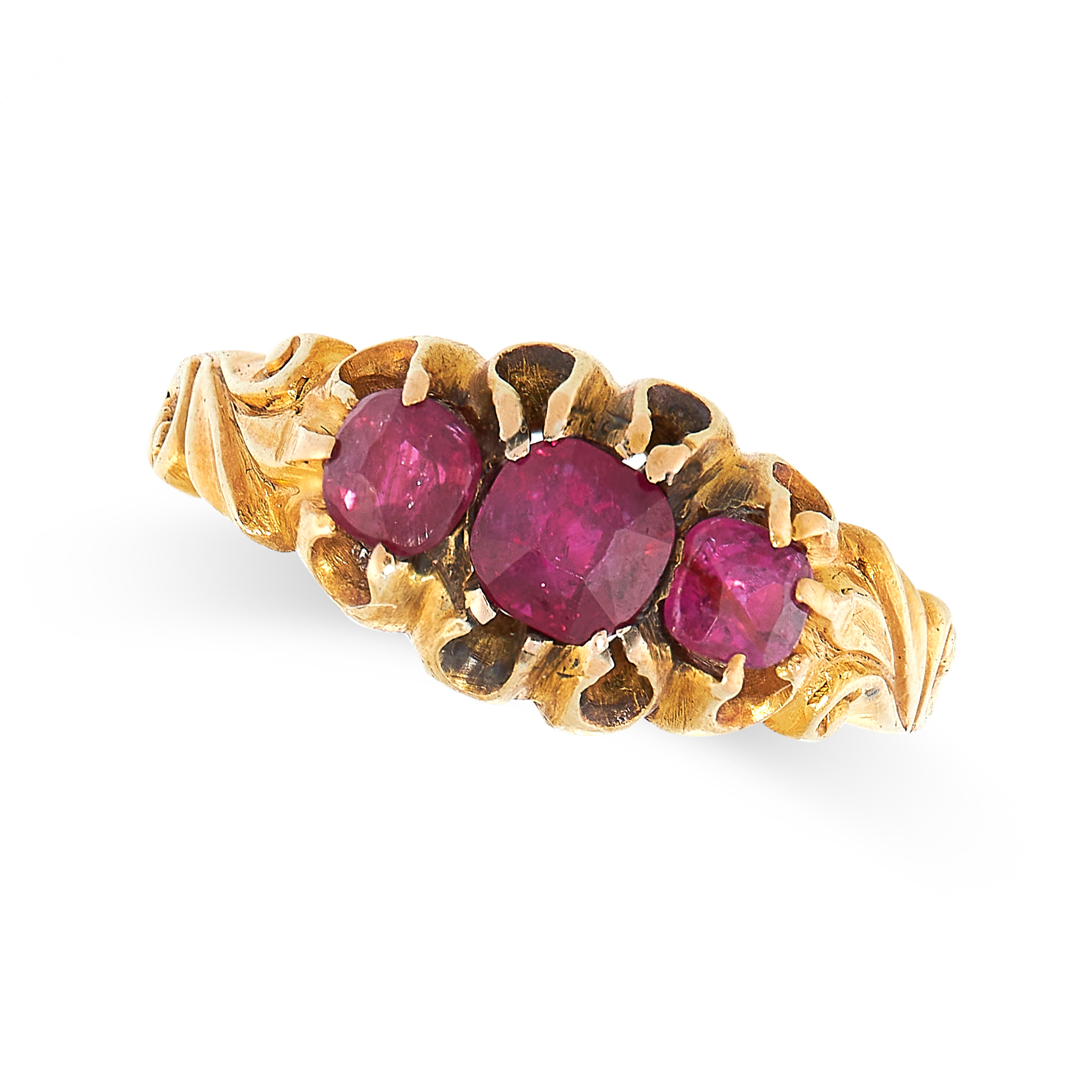 ANTIQUE RUBY RING in yellow gold, set with three graduated cushion cut rubies, unmarked, size N /