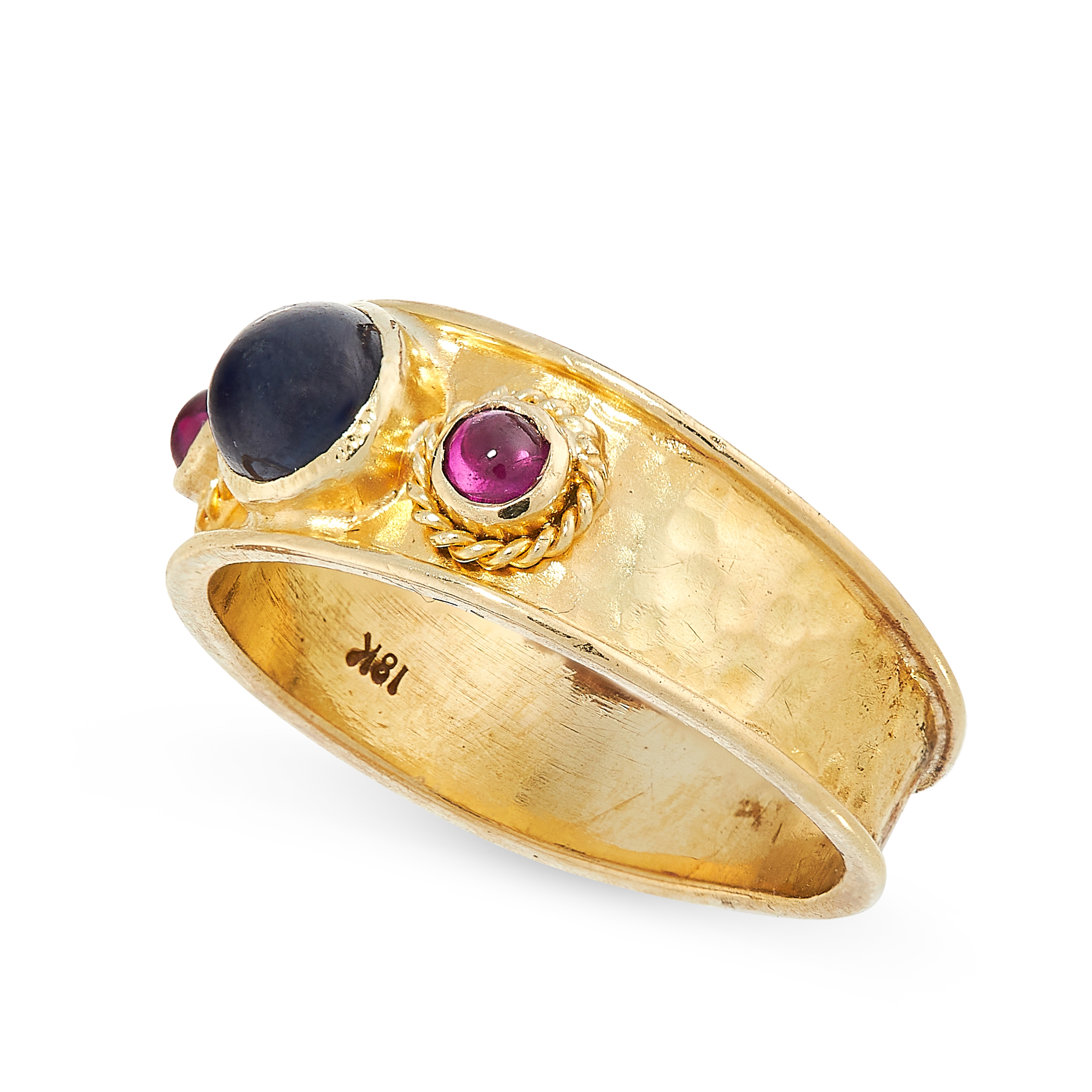 SAPPHIRE AND RUBY RING in 18ct yellow gold, the hammered gold band is set with a cabochon sapphire - Image 2 of 2