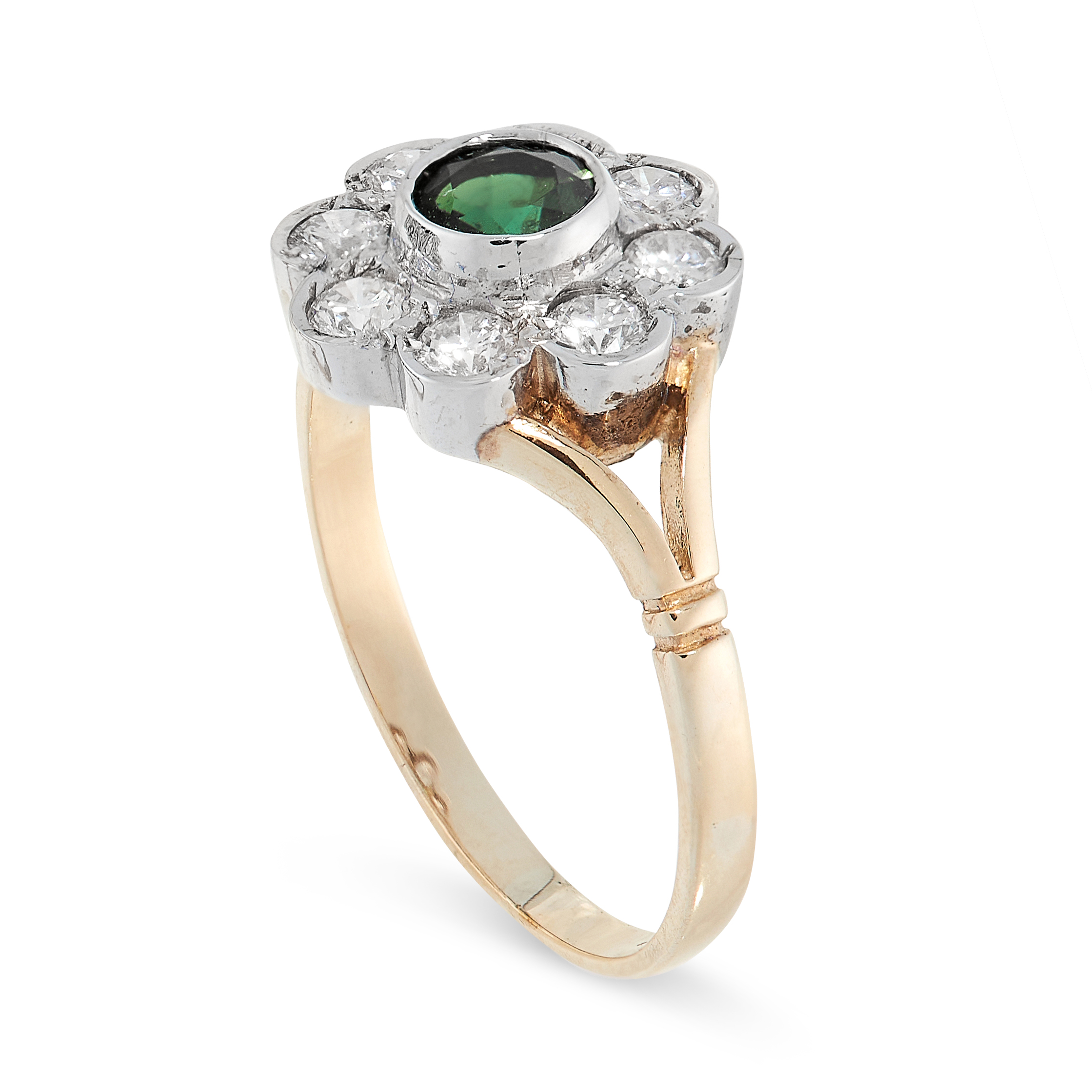 GREEN TOURMALINE AND DIAMOND RING in yellow gold, in cluster form, set with a round cut tourmaline - Image 2 of 2