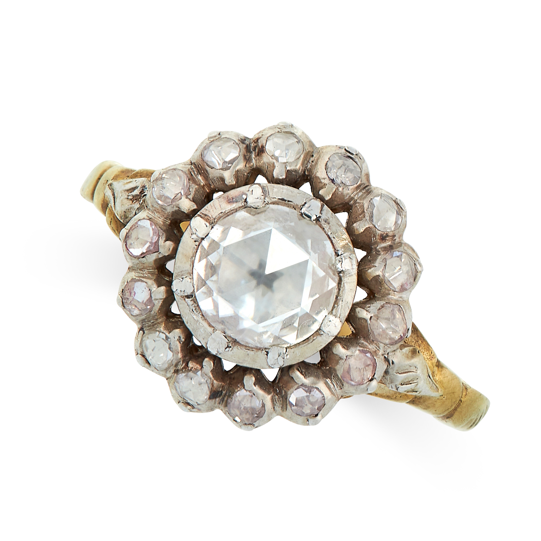 ANTIQUE GEORGIAN DIAMOND RING in yellow gold and silver, in cluster form, set with a central rose