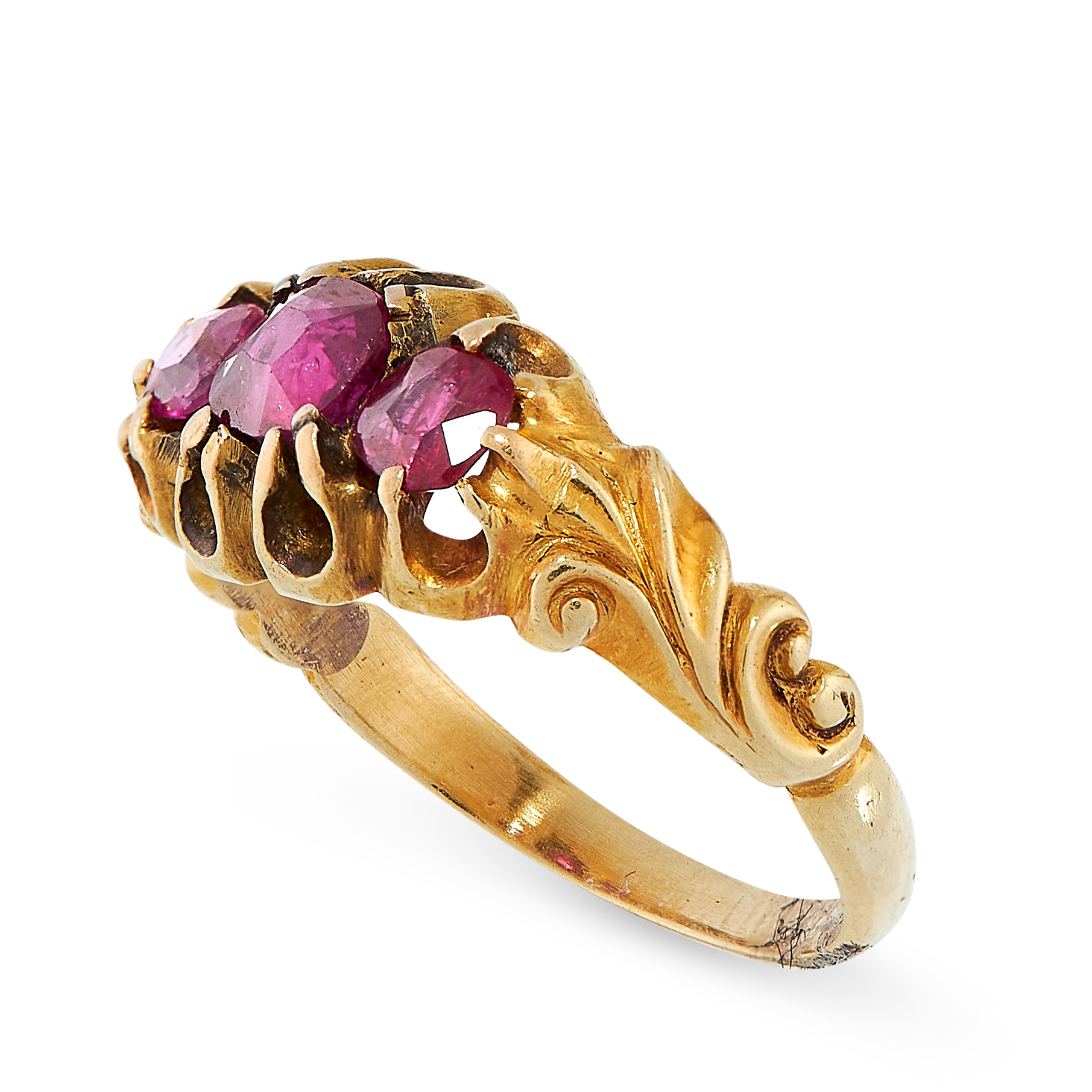 ANTIQUE RUBY RING in yellow gold, set with three graduated cushion cut rubies, unmarked, size N / - Image 2 of 2