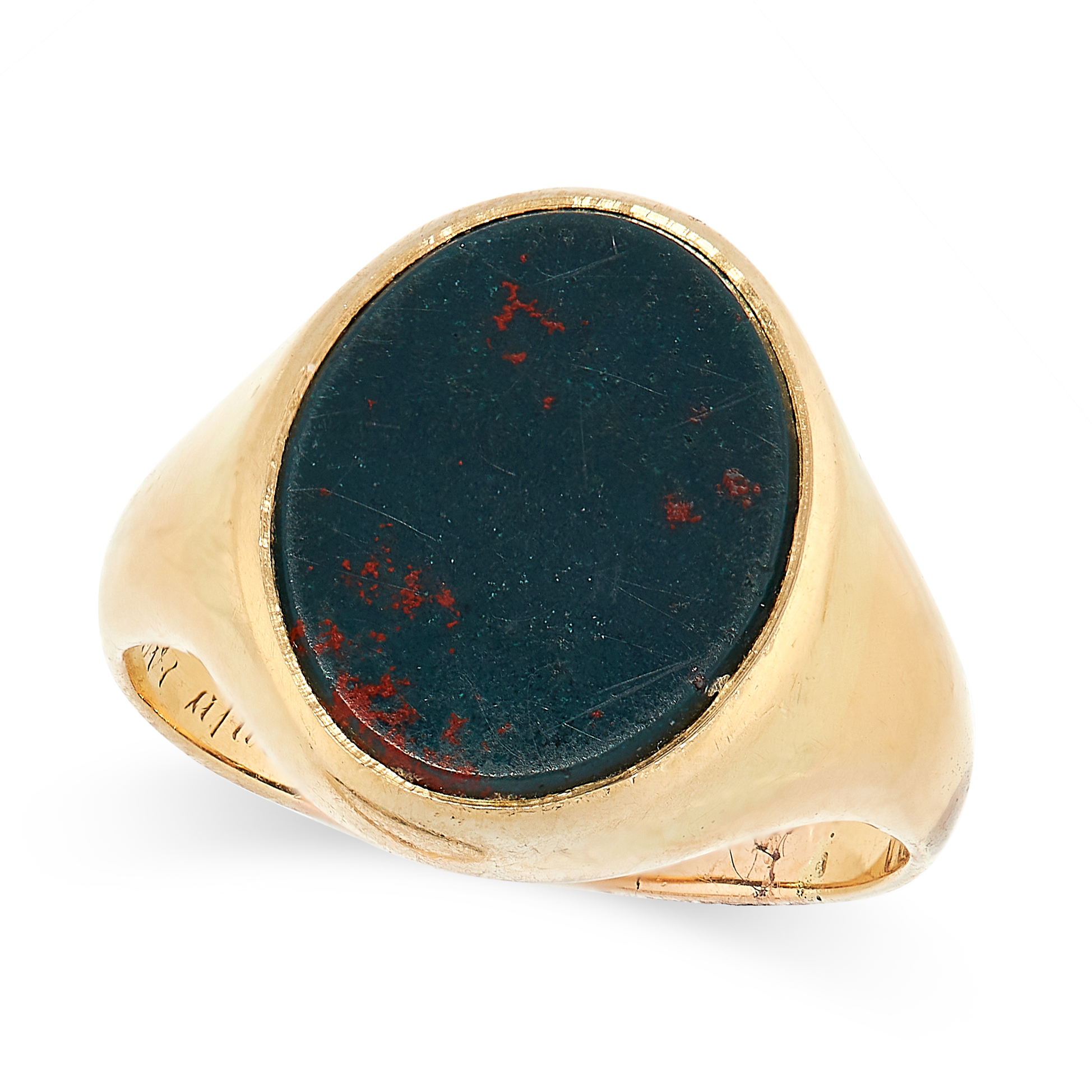 ANTIQUE BLOODSTONE SIGNET / SEAL RING in yellow gold, set with a polished oval shaped disc of