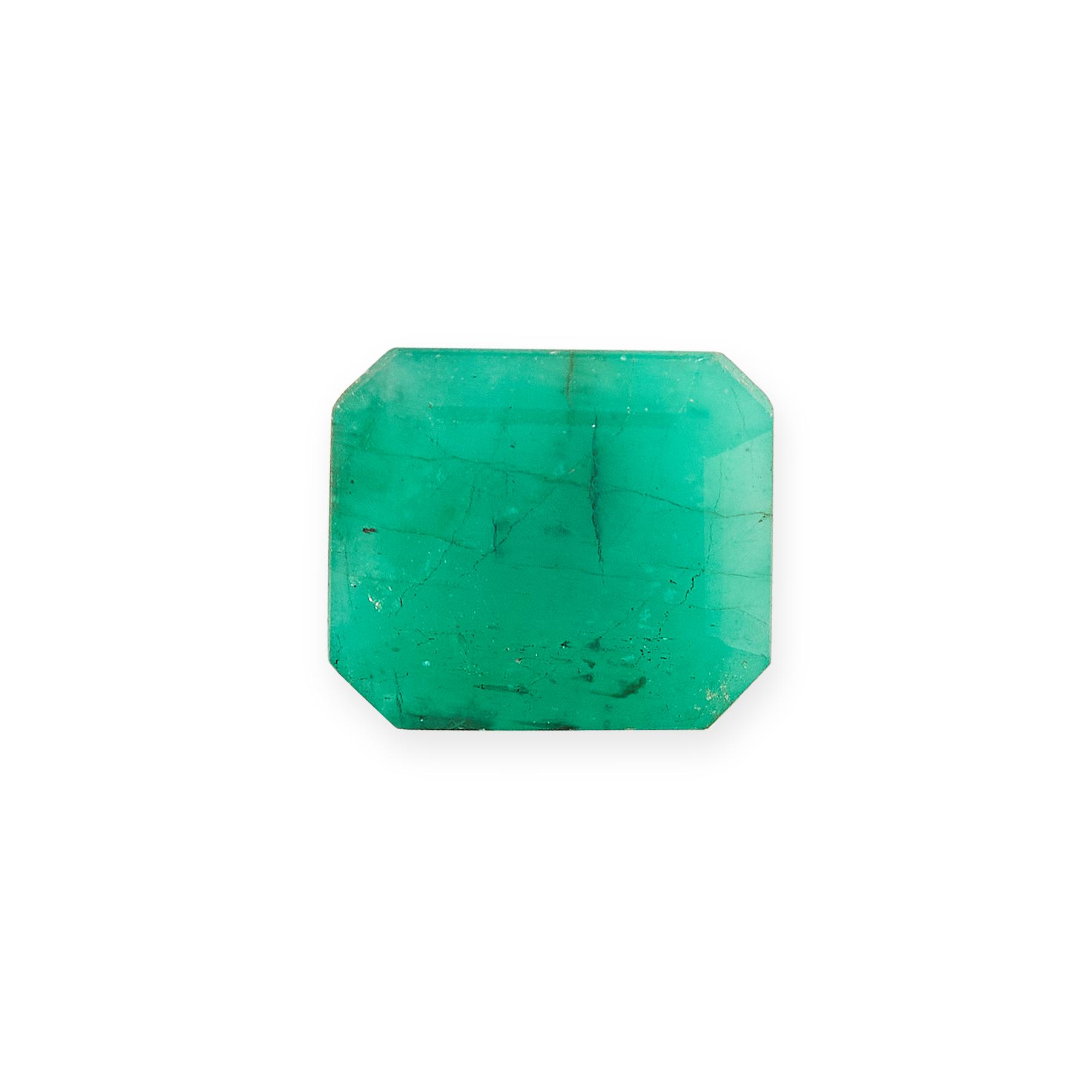 UNMOUNTED EMERALD of 2.85 carats, emerald cut.