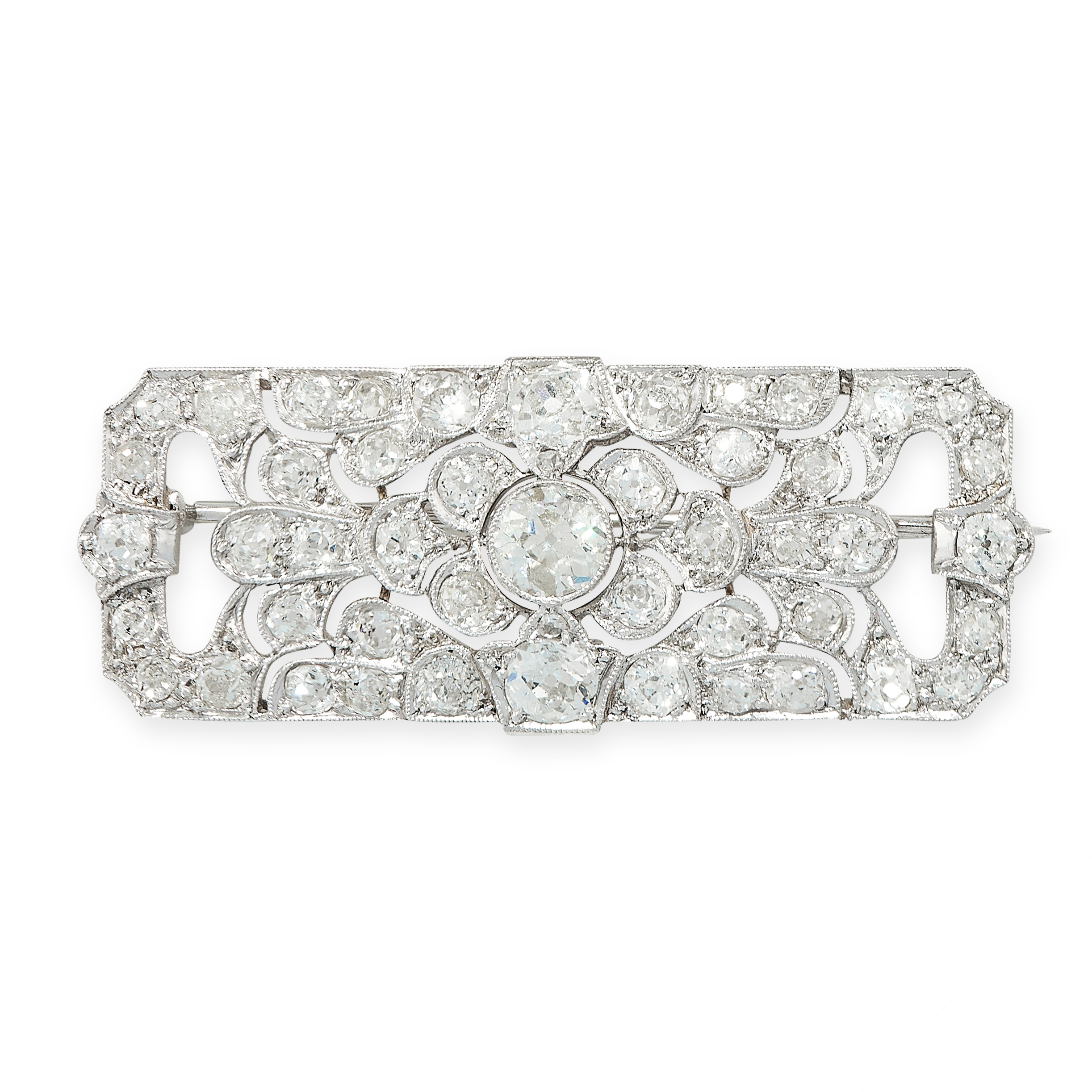 ART DECO DIAMOND BROOCH, EARLY 20TH CENTURY in rectangular form, set with old cut diamonds totalling