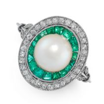 AN ART DECO NATURAL PEARL, EMERALD AND DIAMOND RING, CIRCA 1925 in platinum, in target design, set